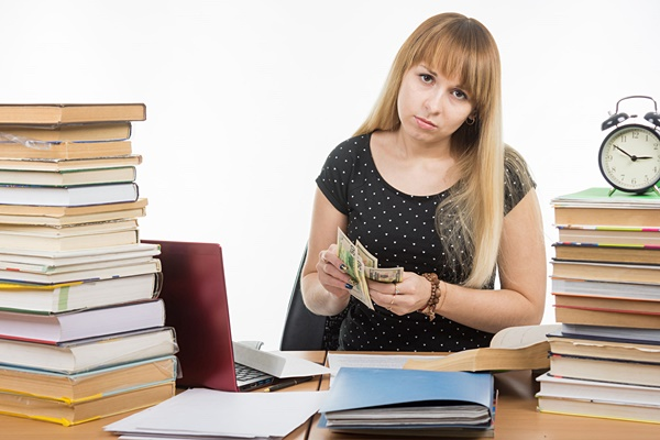 Save money on college by renting your textbooks.